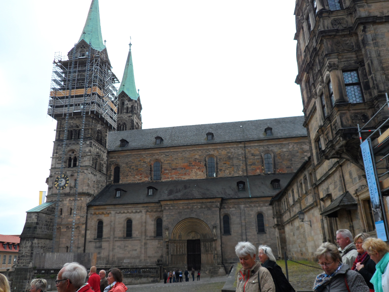 vor Bamberger Dom